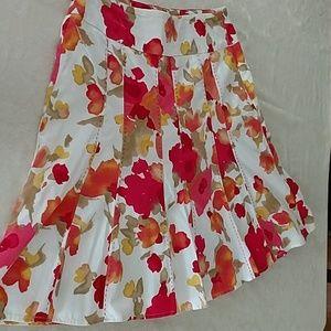 Gorgeous Covington floral panel skirt, size 10